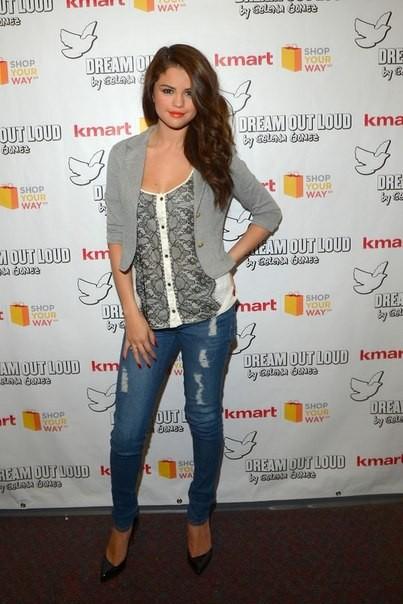 Стиль одежды Селены Гомес 2013 - фото