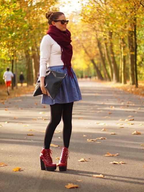 Вишневый цвет в одежде фото  бордовый шарф
