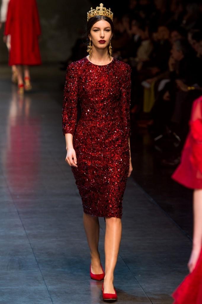 С чем носить вишневый цвет 2013 Dolce and Gabbana