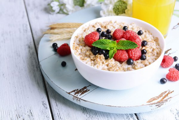 Berry healthy maple porridge