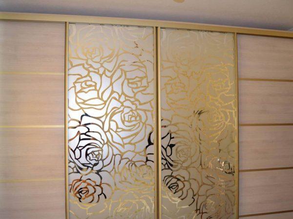двери с рисунком