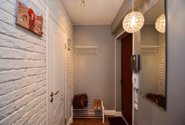 Как сделать ремонт в маленьком коридоре?