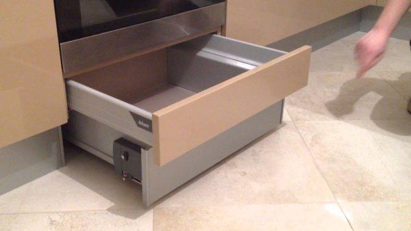 цокольный ящик