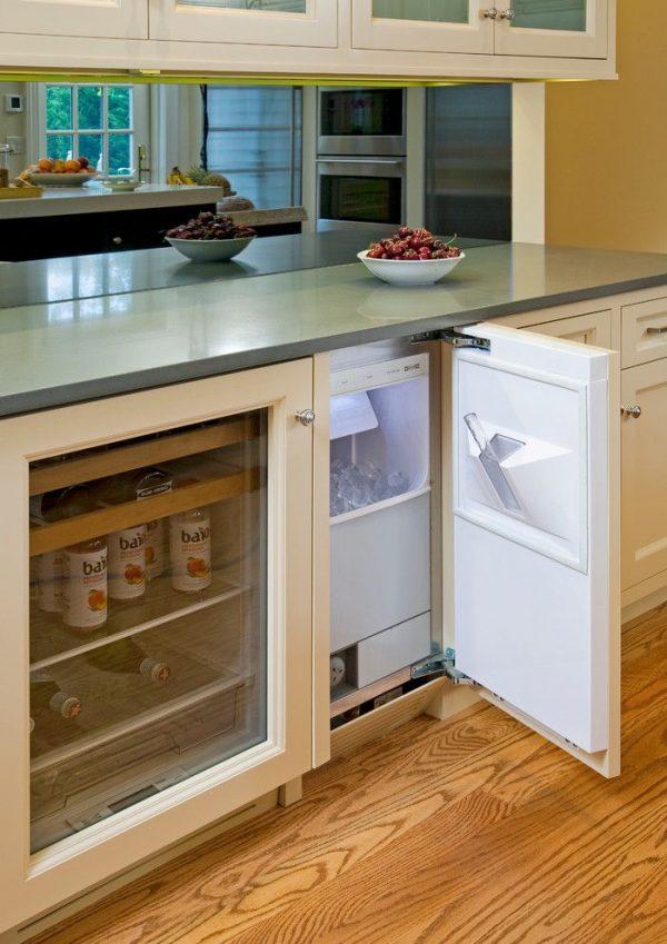 Где найти место для холодильника, если на кухне мало места
