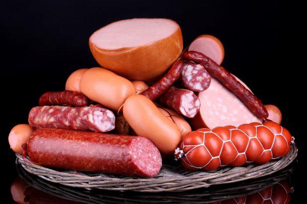 Осторожно, колбаса и сосиски смертельно опасны!