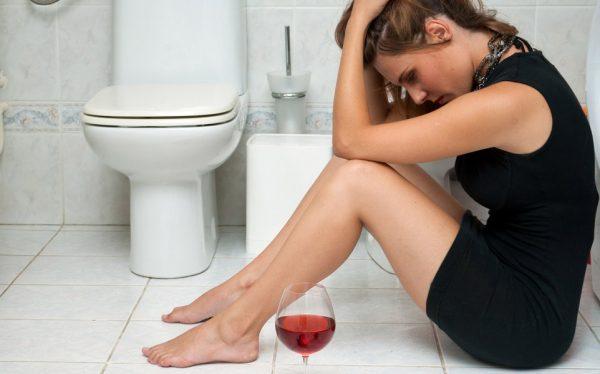 Рвота с кровью и алкоголь. Что происходит?