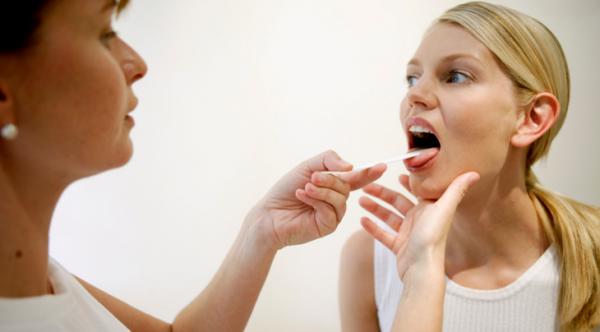 Обязательно ли выплевывать мокроту при кашле