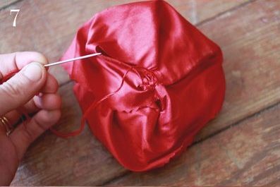 мастер класс как сделать брошь из ткани своими рукаии