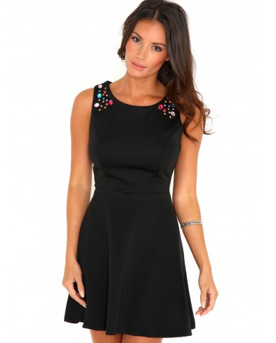 Как украсить черное платье или топ