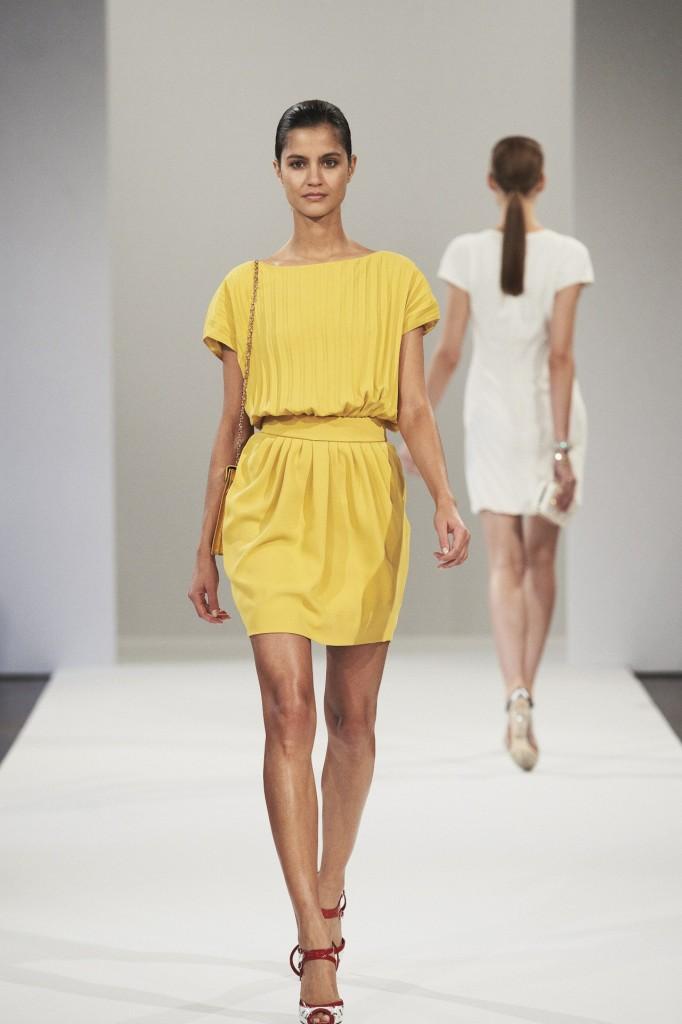 Azzaro весна-лето 2013 желтое платье