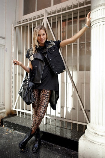 С чем носить леопардовый леггинсы  - уличный стиль