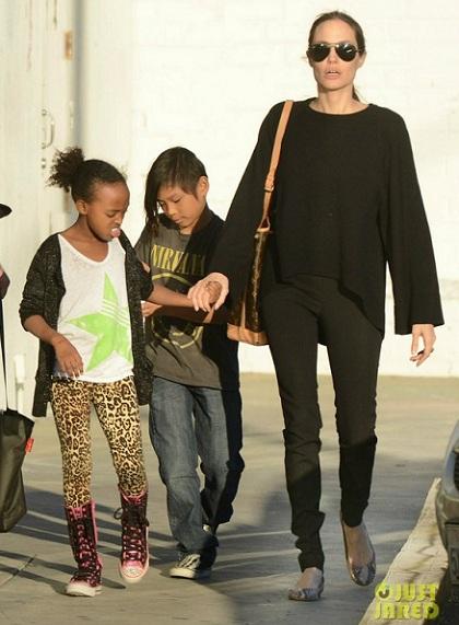 Анджелина Джоли, звезды знаменитости в балетках