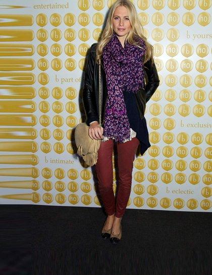 poppy-delevingne-celebrity-fashion-trend-flats-rex_GA