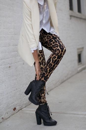 С чем носить леопардовый леггинсы
