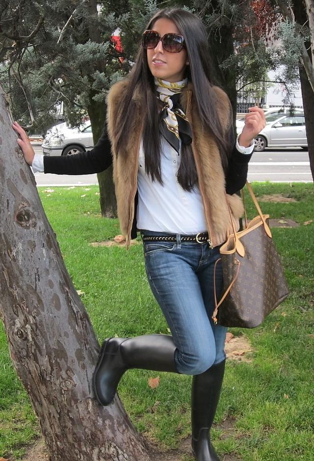 Как носить меховую жилетку фото