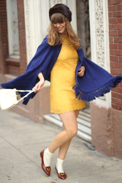 с чем носить желтое платье - фото уличная мода