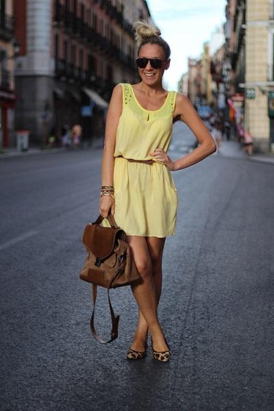 с чем носить желтое платье - фото