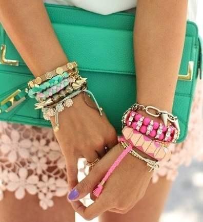 Зеленые сумки-клатчи фото