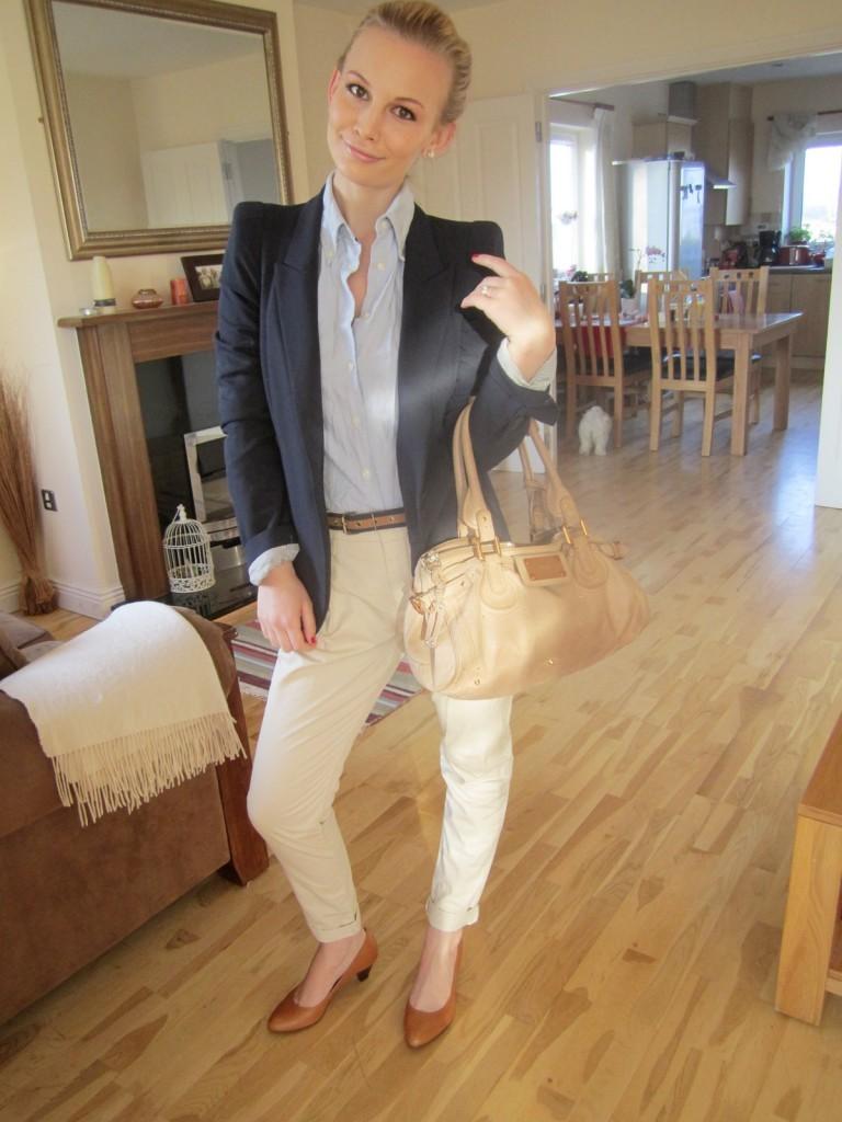С чем носить бежевые брюки фото - стиль преппи preppy