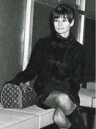Одри Хепберн с сумкой Louis Vuitton