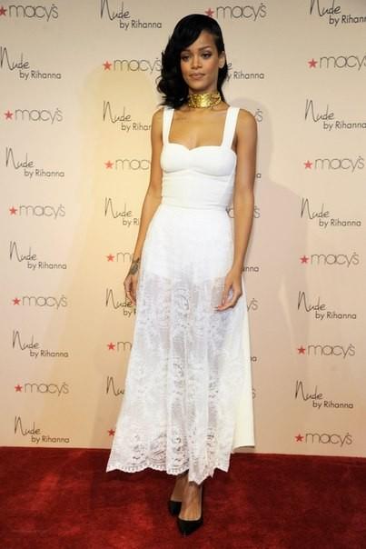 Стиль Рианна 2012 - белое платье