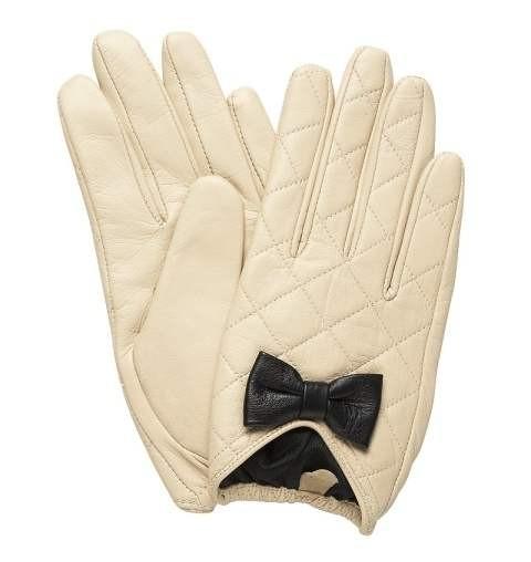 Как украсить перчатки своим руками бантиком