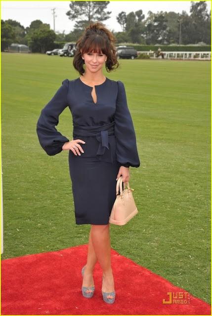 Знаменитости с сумками Louis Vuitton Alma Альма фото