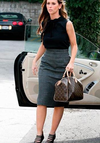 Звезды с сумками Louis Vuitton - Дженифер Лав Хьюит