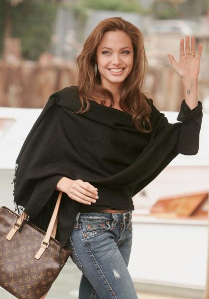 Звезды с сумками Louis Vuitton