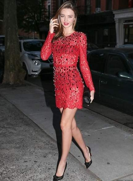 Звездный стиль миранда керр в красном платье фото