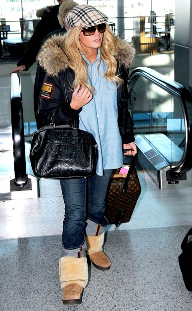 Джессика Симпсон с сумкой Луи Вьюттон - Louis Vuitton фото