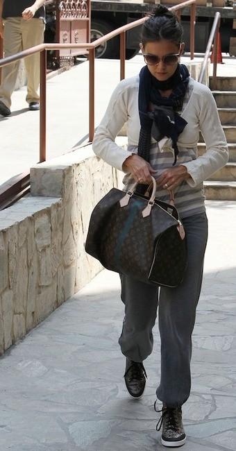Звезды с сумками Louis Vuitton - Кэти Холмс