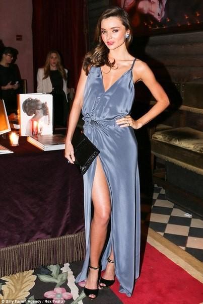 Звездный стиль миранда керр в длинном платье фото