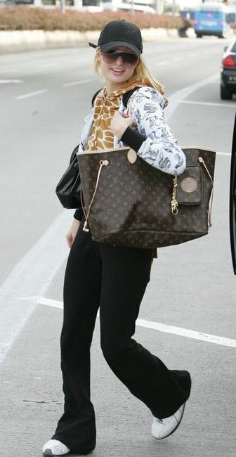 Звезды с сумками Louis Vuitton Пэрис Хилтон