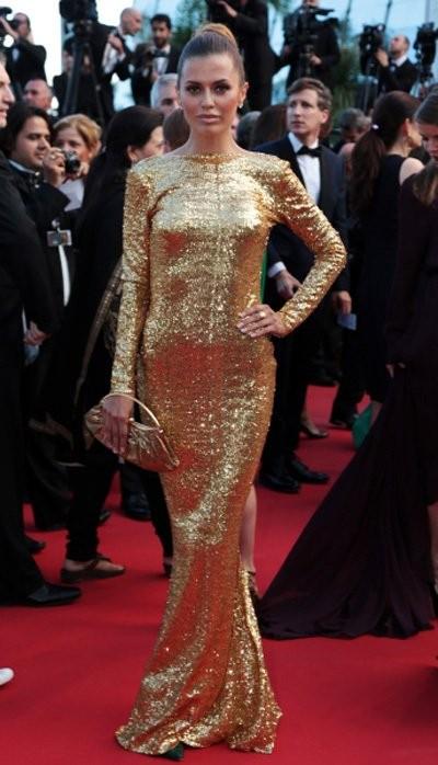 Виктрия боня вечернее платье золотое Каннский фестиваль фото