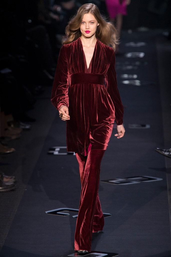 С чем носить вишневый цвет 2013 Diane von Furstenberg