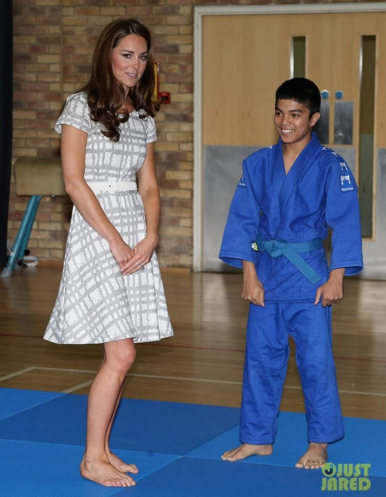 duchess-kate-middleton-ping-pong-10