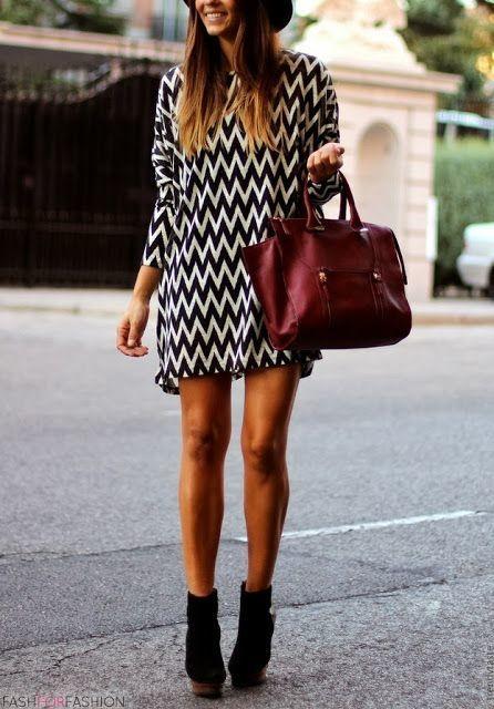 Вишневый цвет в одежде фото  бордовая сумка