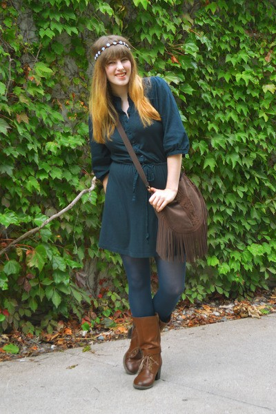 navy-old-navy-dress-burnt-orange-boots-navy-tights_400