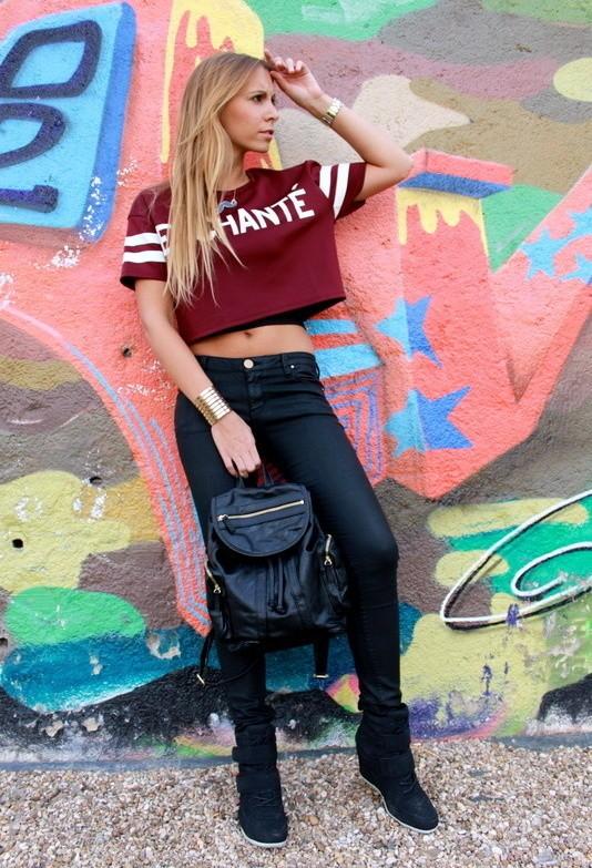 stradivarius-rojo-veneciano-zara-camisetas~look-main-single