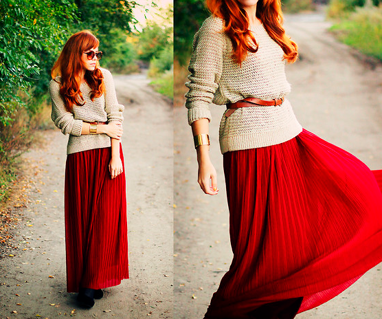 Как можно сочетать длинную юбку и вязанный свитер