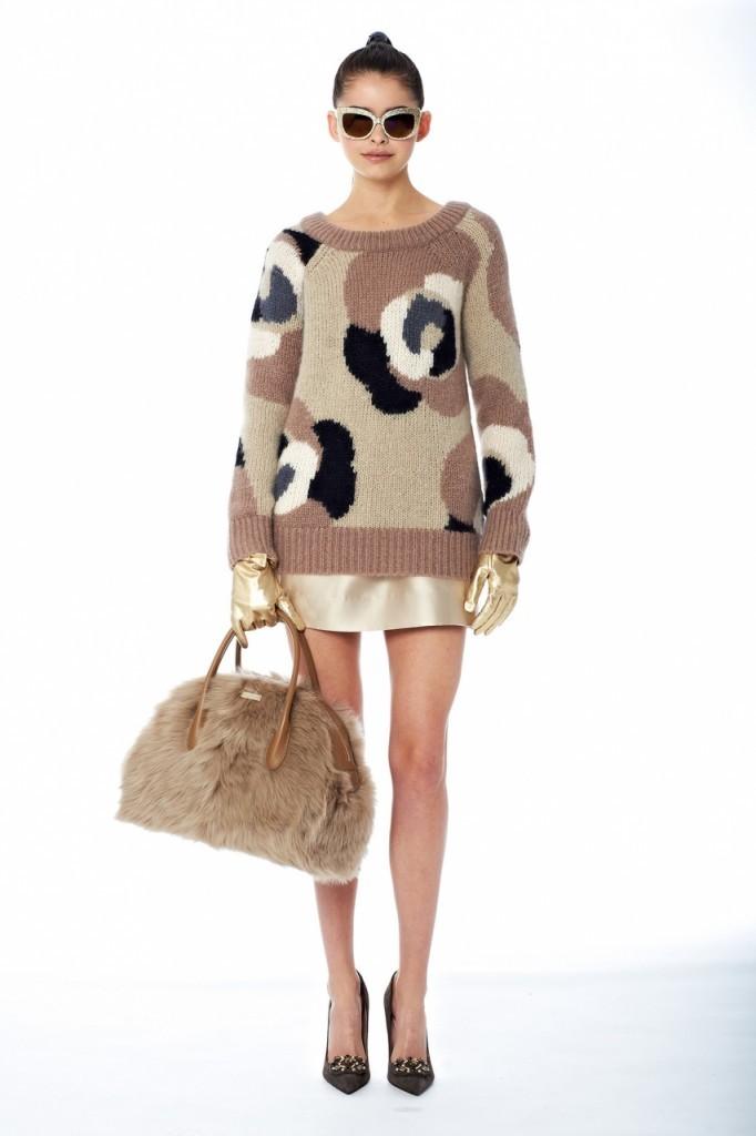Сочетание свитера и юбки от Каtespade