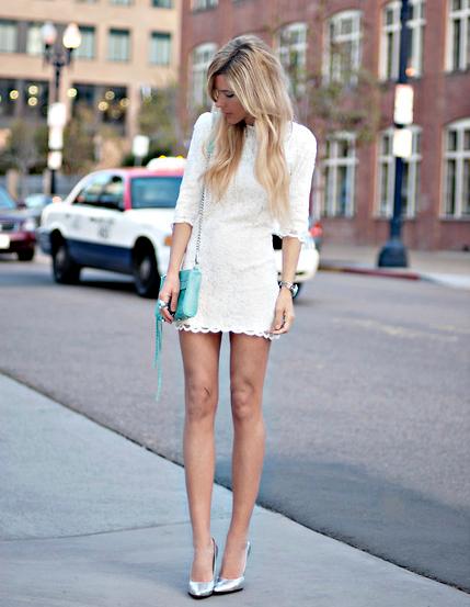 фото с чем носить светлое платье