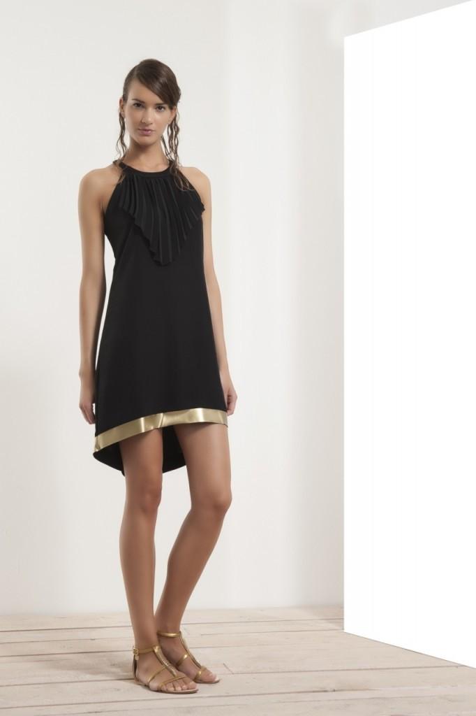 Модный образ с маленьким черным платьем Atos Lombardini