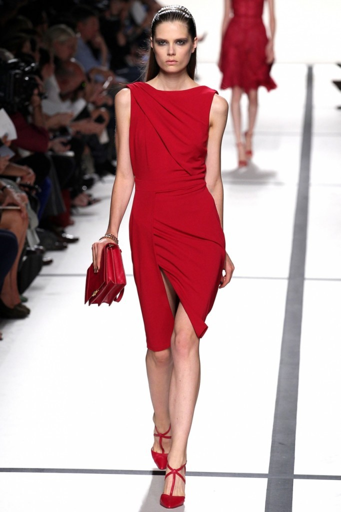 Total Red - Тотал Рэд с палтьем от Elie Saab