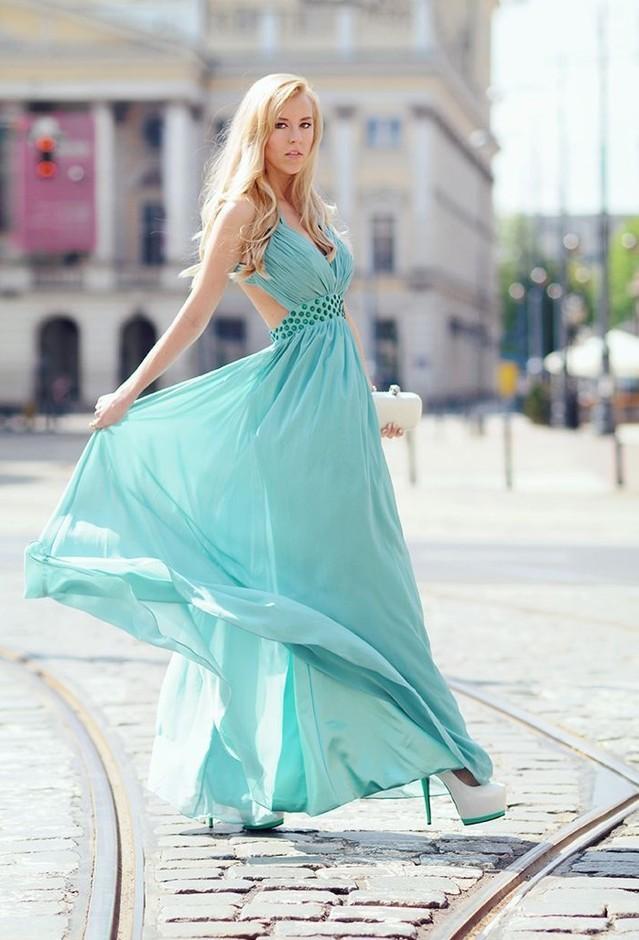 как одеть светло бирюзовое платье