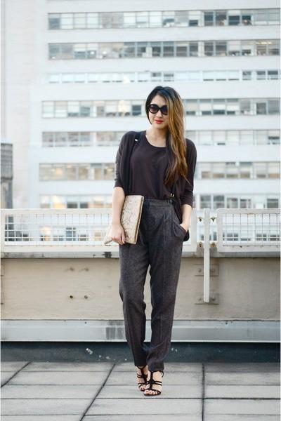 dark-gray-cotton-h-m-shirt-snake-skin-vintage-purse_400