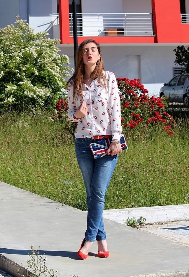 Уличный стиль: модницы с алыми туфлями