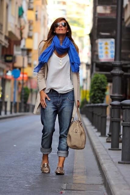 как сочетать шарф и джинсы бойфренды