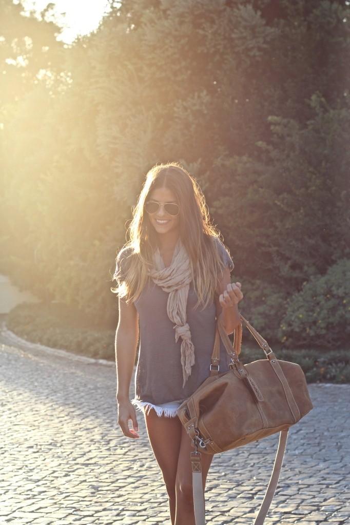 летний образ с шарфиком
